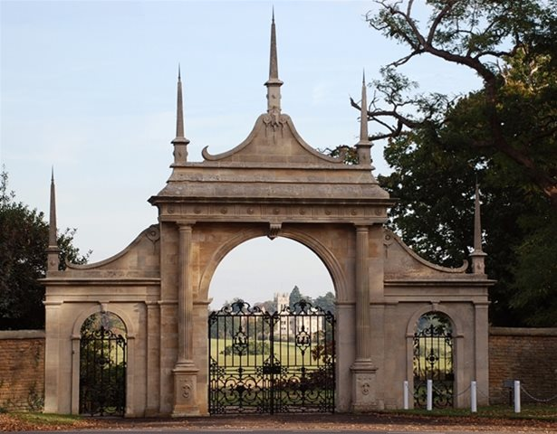 Natural Stone Awards - 2010 - The Pytchley Gates - Overstone - Commended in Restoration